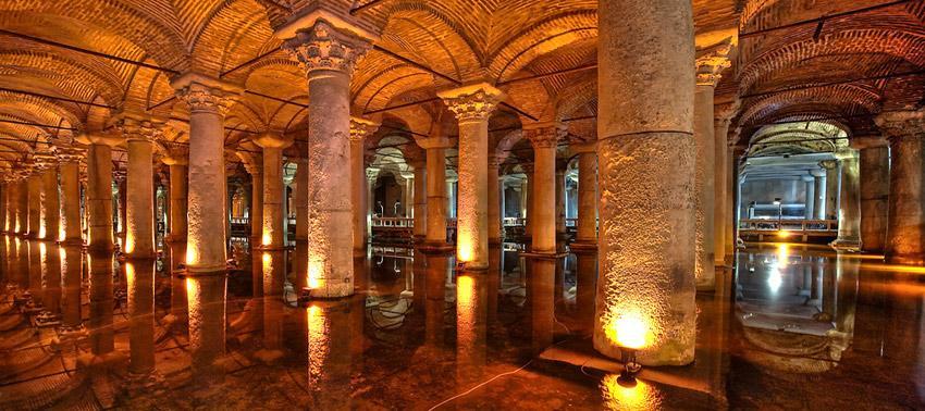 Basilica Cistern Istanbul Turki