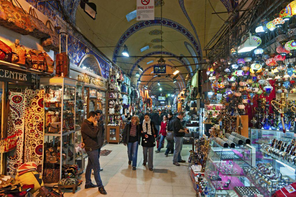 Berbelanja di Grand Bazaar Istanbul Turki