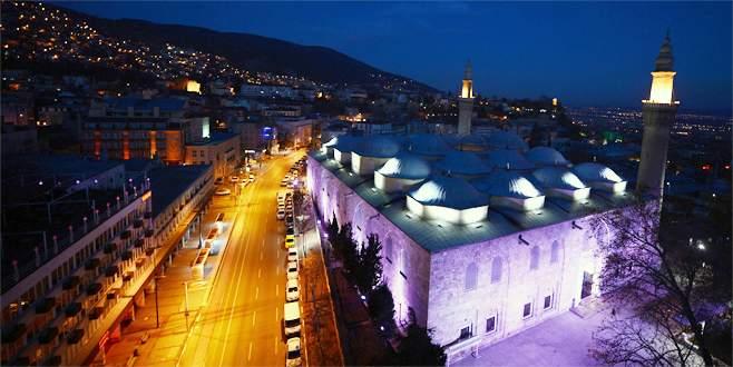 Masjid ulu camii malam hari