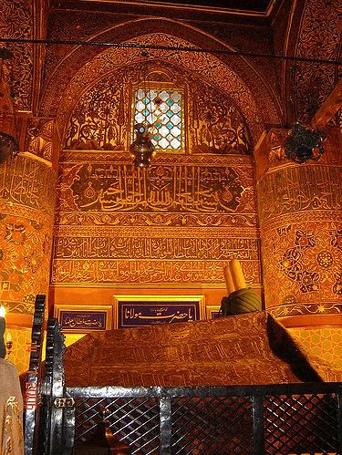 Makam Jalaluddin Rumi