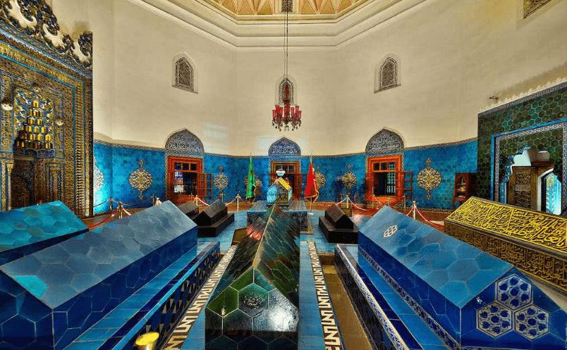 Makam di Dalam Masjid Turki