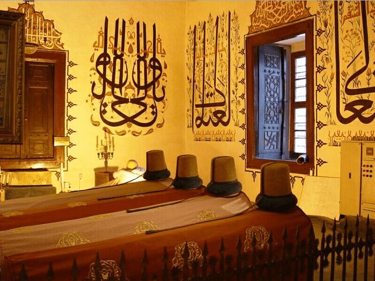 Makam-makam di Mevlana Museum