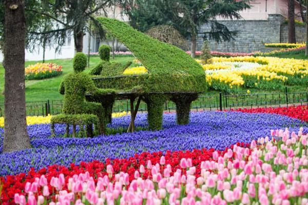 tulips-festival-emirgan-park