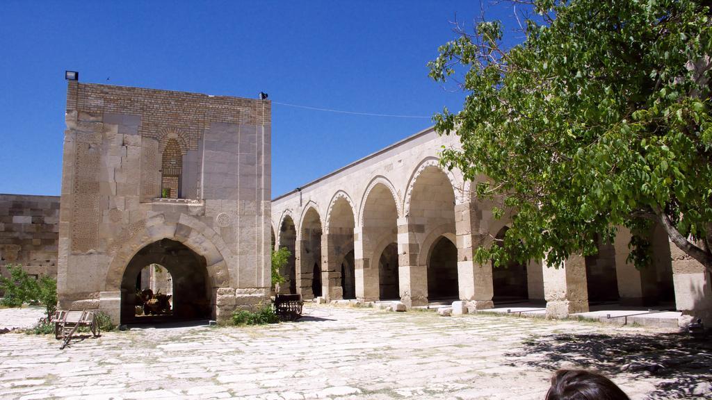 Arsitektur Sultanhani Caravanserai