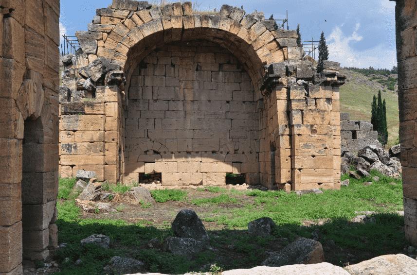 Hierapolis Pamukkale sebagai Kota Suci