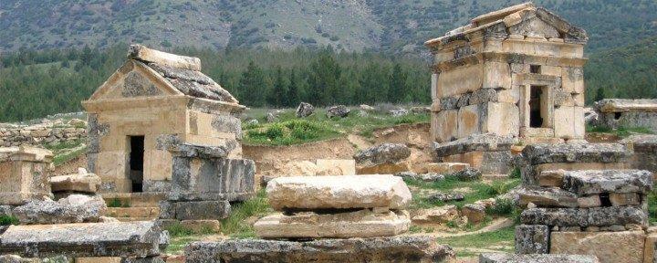 Wisata ke Hierapolis Pamukkale