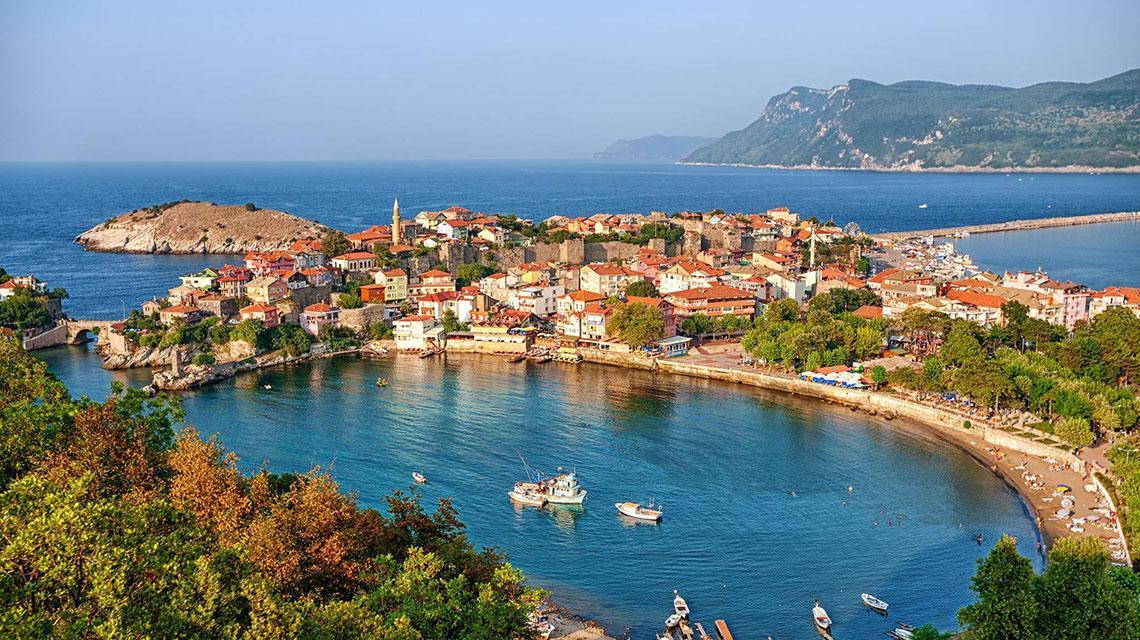 kota di pesisir turki