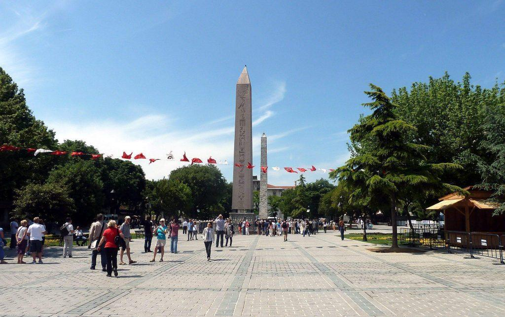 Hippodrome Square Istanbul-Turki, Arena Balap Kuda Zaman Bizantium