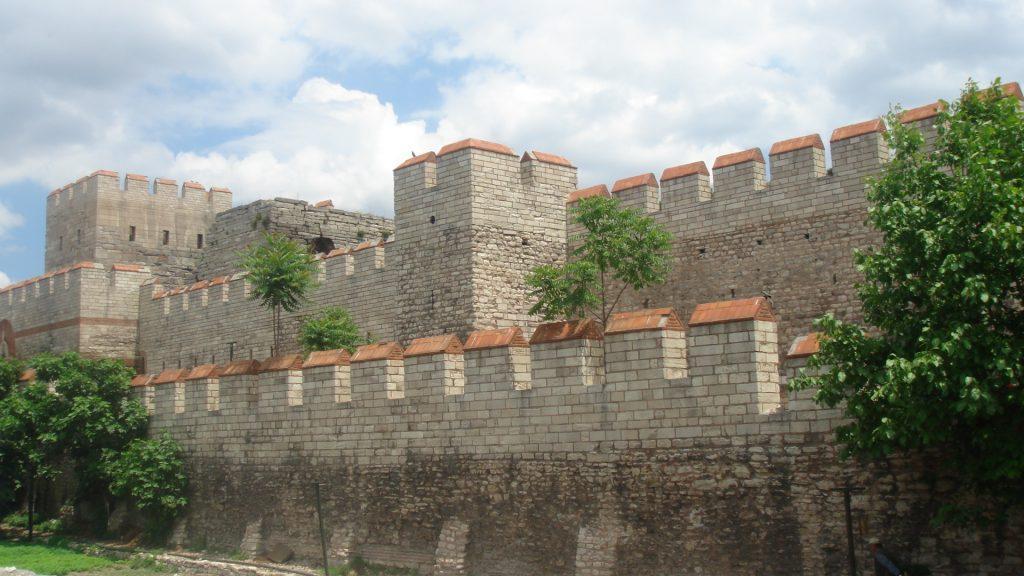 Tembok Konstantinopel Istanbul-Turki, Pelindung Kerajaan Bizantium dari Serangan Musuh