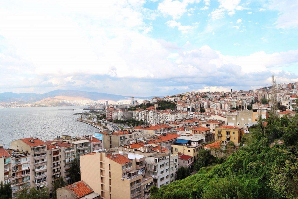 Cuaca dan Iklim di Izmir