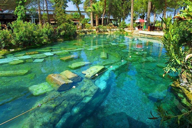 Cleopatra Pool Pamukkale, Kolam Antik Yang Bersejarah di Turki