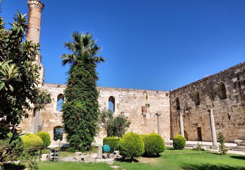 Hal seru Yang Dapat Dilihat Di Masjid Isa Bey
