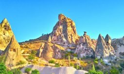 Uchisar Castle Cappadocia, Istana Batu Dengan View Spektakuler