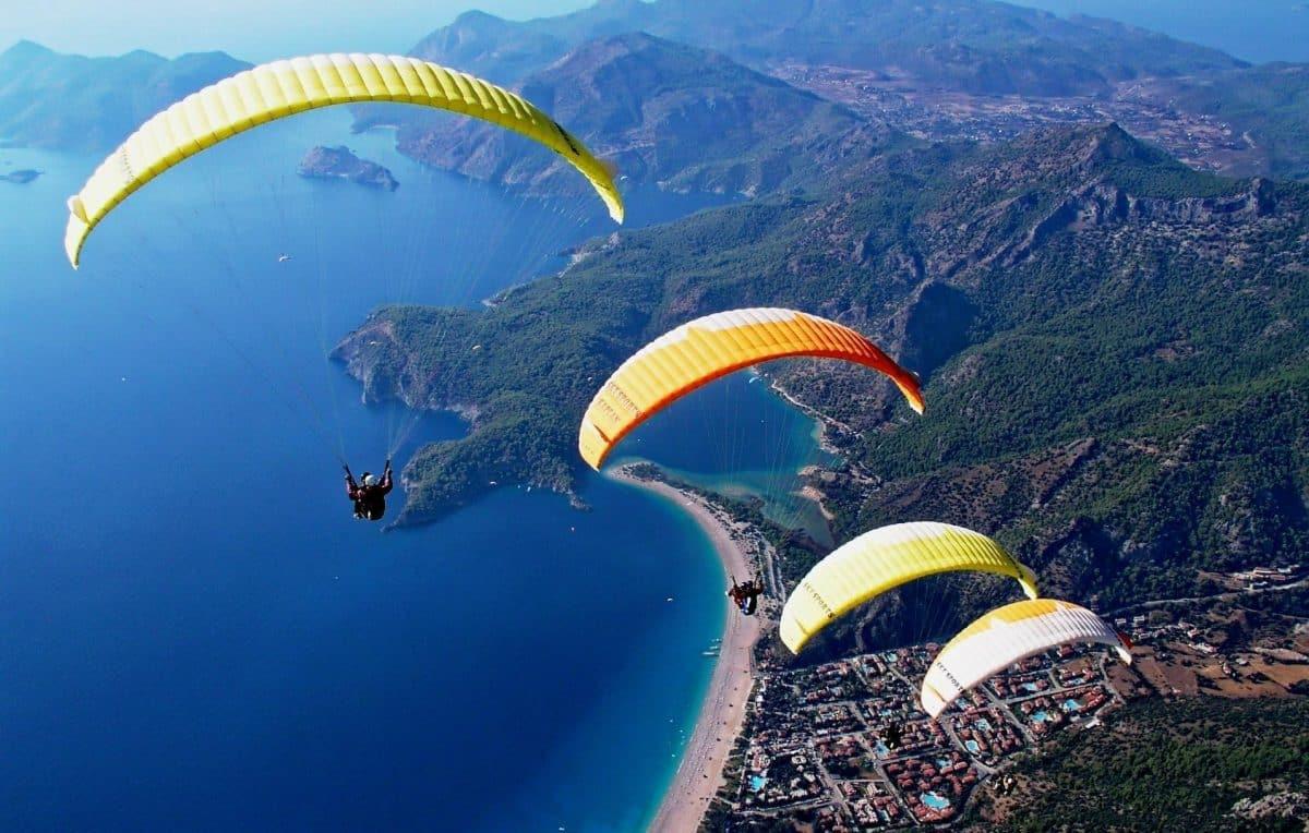 Paralayang di Fethiye Turki