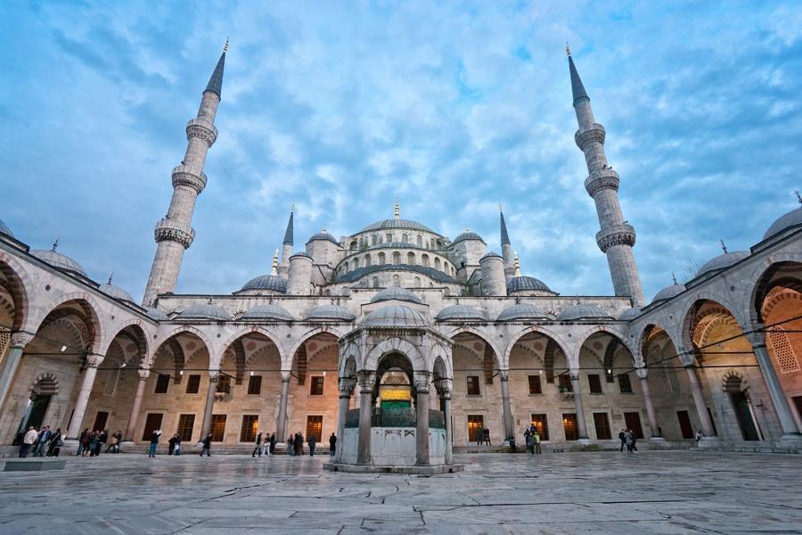 masjid biru turki