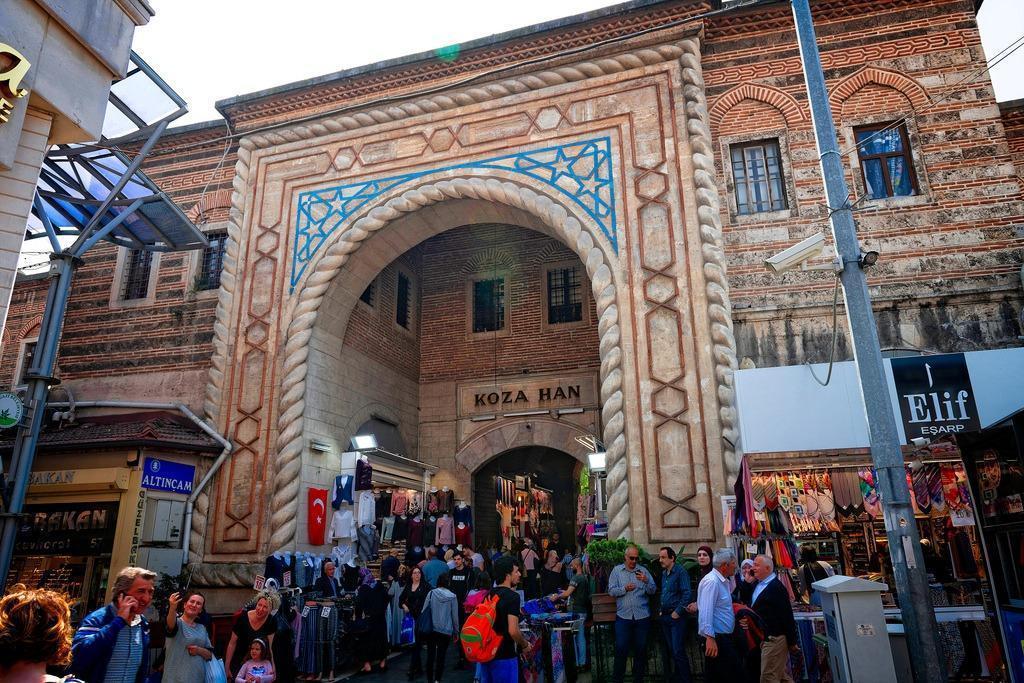 3.Silk Market atau Koza Han
