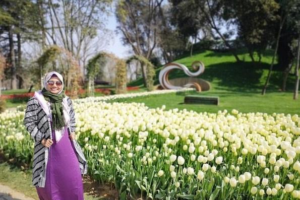 Wajib Tahu! Pakaian yang Cocok Untuk Musim Semi di Turki